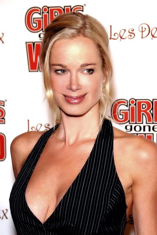 """Jennifer Gareis bei einer Release-Party des """"Girls Gone Wild Magazine"""" im Juni 2008"""